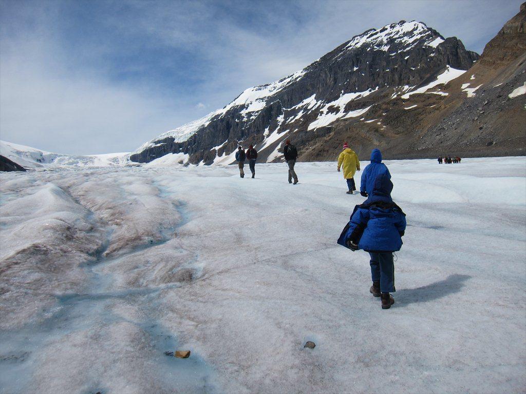 סיור רגלי מודרך על קרחון את'אבסקה, פארק לאומי ג'ספר