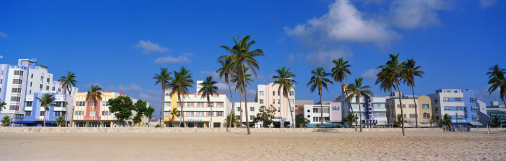 מבנים בסגנון ארט דקו בחוף מיאמי ביץ'