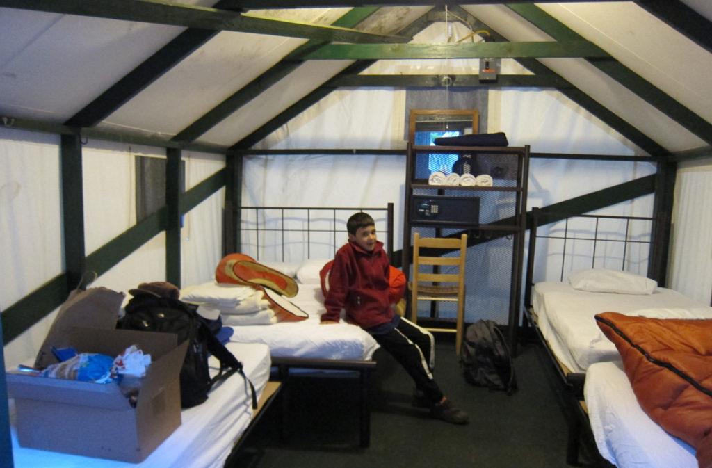 """ה""""חדר"""" שלנו בעמק ביוסמיטי. חייבים להזמין חודשים רבים מראש. תוכלו לקרוא כאן עוד על בחירת מקום הלינה ביוסמיטי."""